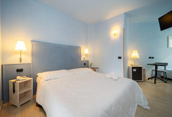 Camera Classic con letto matrimoniale Hotel Corallo di Rimini
