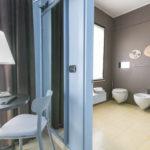 Camera Classic con balcone e bagno con doccia