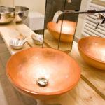lavabo in rame junior suite Hotel Corallo