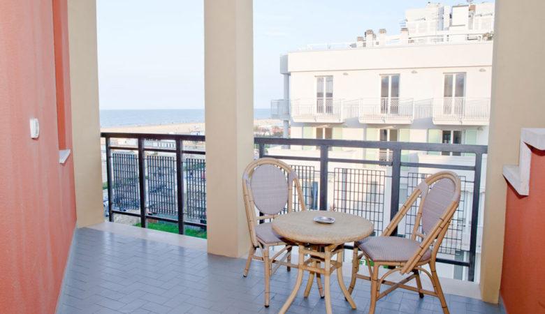 camere-con-balcone-hotel-corallo-rimini