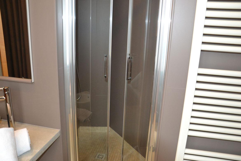 I bagni dell 39 hotel corallo rimini ristrutturati a nuovo - Hotel bagni nuovi ...
