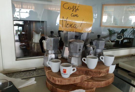 colazione con caffe con moka